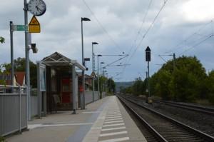 Bahnsteig Schnelldorf in Richtung Crailsheim / Stuttgart
