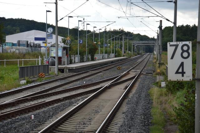 Bahnsteig in Richtung Ansbach