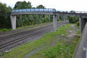 Brücke in Leutershausen-Wiedersbach, gibt es hier bald einen Bahnsteig?